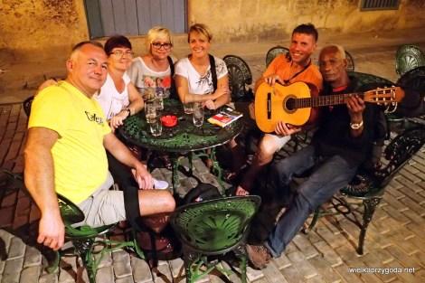 Guantanamera na gitarze w Havanie bezcenne....