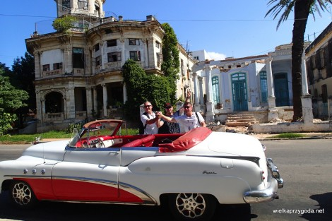 Niema jak stare samochody i młode chłopaki...