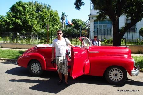 Na głosowanie do Ambasady podjechaliśmy biało-czerwonymi kabrioletami , a co!!!