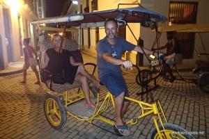 Havana- riksza to najlepszy środek tarnsportu po wąskich uliczkach