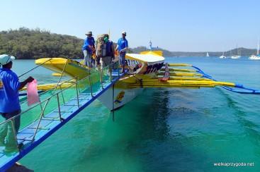 Takimi łodziami podróżuje się między wyspami